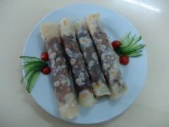山东名吃:煎饼卷大葱